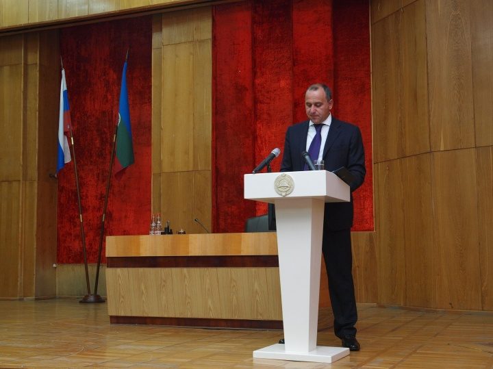 1963ad08e Глава Карачаево-Черкесии впервые выступил с Докладом-посланием (Видео)