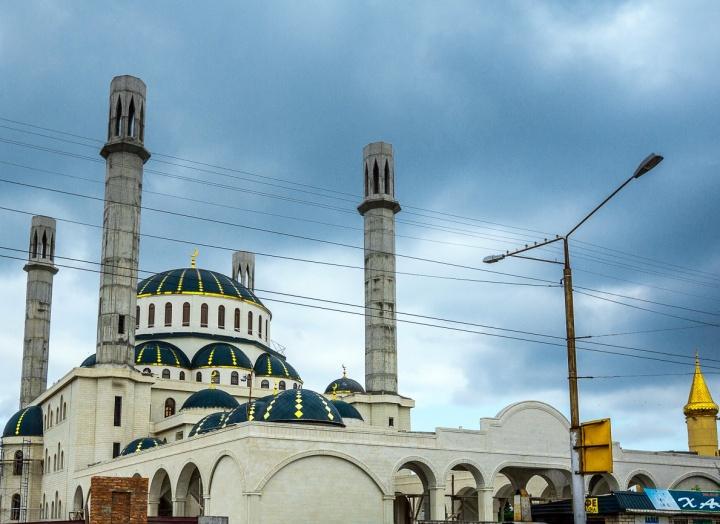 Рашид Темрезов объявил 24 сентября в Карачаево-Черкесии нерабочим днем