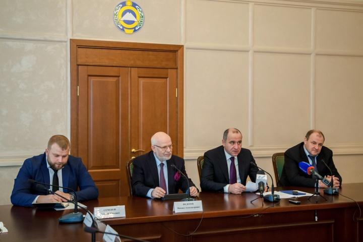 В Карачаево-Черкесии состоялось первое заседание Совета по развитию гражданского общества и правам человека при Главе республики