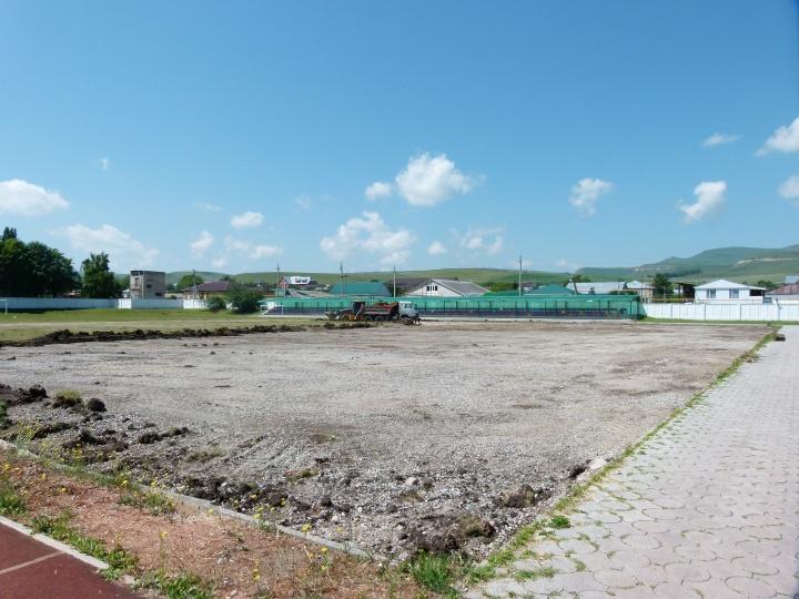 В ауле Хабез Хабезского района КЧР появится футбольное поле с искусственным покрытием