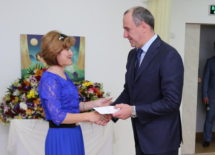 Рашид Темрезов вручил почётные знаки