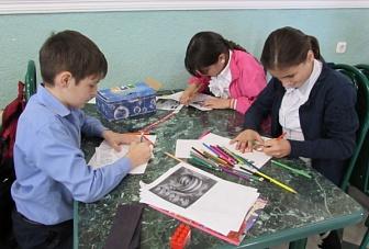 Дети Карачаево-Черкесской Республики участвуют в гражданско-патриотической акции «Письма ветеранам Украины»